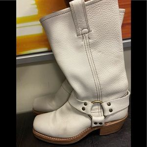 FRYE BOOTS size :7